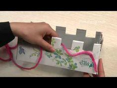 vingerbreien-vingerhaken-punniken met een kartonnen doos - fingercrochet-fingerknitting with a box - how to knit a scarf with a box