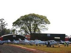 Aeroporto para voos executivos é inaugurado em São Joaquim da Barra | Novo aeródromo tem pista de 1,32 mil metros e 1,25 mil m² de hangares. Cerimônia de abertura contou com participação de 47 aeronaves Bonanza. http://mmanchete.blogspot.com.br/2013/08/aeroporto-para-voos-executivos-e.html#.UhJRM5JQGSo