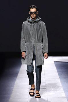 LOOKSS16_23 - Boutique en ligne officielle Brioni : prêt-à-porter couture, services sur mesure et vêtements de sport pour hommes.