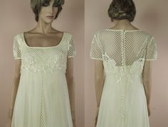 70's Vintage Wedding Dress - Elegant ivory wedding dress from the 70s – Empire style dress- full lace bridal gown- - Romantic 70s style