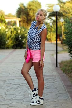 don't like the colour combo, but like the shorts with wedge sneakers loos