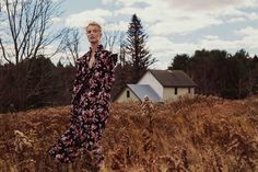 Suvi Koponen models romantic style for Vogue China February 2016 by Sebastian Kim [editorial] Vogue China, Vogue Russia, Fashion Shoot, Editorial Fashion, Fashion Poses, Women's Fashion, Winter Fashion, Editorial Photography, Fashion Photography