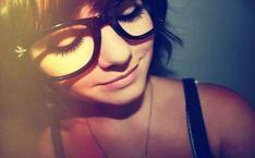 Lovely girls with lovely spectacles. Hot girls with glasses. Big Glasses, Hipster Glasses, Girls With Glasses, Geek Glasses, Glasses Frames, Indie, Punk, Arte Pop, Geek Girls