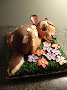 Bambi Cake. Learn how to create your own amazing cakes: www.mycakedecorating.co.za #disneycake #bambi #moviecake