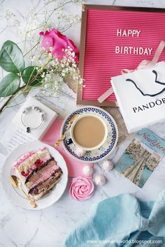 My space, my world. Ana Mari's world.: Tort malinowo-czekoladowy z różami bezowymi I Foods, Happy Birthday, Blog, Happy Anniversary, Happy Brithday, Urari La Multi Ani, Happy Birth