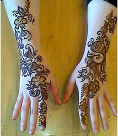 Mehndi is derived from the Sanskrit word mendhika. Mehndi Designs are also called as henna designs and henna tattoos.In Indian marriages there are so many things which are very important, in all mehndi also playing a great role in marriages. Pakistani Mehndi Designs, Dulhan Mehndi Designs, Mehandi Designs, New Mehndi Designs 2018, Mehandi Design For Hand, Stylish Mehndi Designs, Beautiful Mehndi Design, Mehndi Design Images, Arabic Mehndi Designs