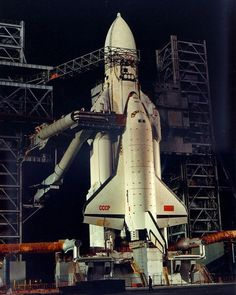 The Soviet Space Shuttle Buran with Energia on launch pad. Cosmos, Nasa Space Program, Space Launch, Space Facts, Space And Astronomy, Our Solar System, Space Station, Space Shuttle, Space Travel