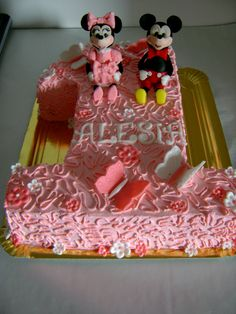 minnie and mickey Cupcake Cakes, Cupcakes, Desserts, Food, Tailgate Desserts, Deserts, Essen, Postres, Meals