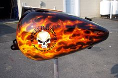 Real fire Harley paint by Roade Studio