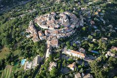 #Mougins, #village medieval construit comme un escargot. #Provence#France  BUCKET LIST
