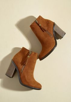 8f289685f Root and Ranch Bootie, #ModCloth Botas Marrons, Sapatos Lindos, Marrom,  Saltos