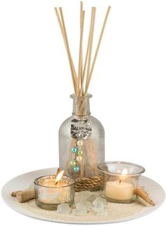 Decorate your bookshelf or coffee table with this San Miguel unscented reed diffuser set, featuring a coastal look that's sure to complement your nautical decor. Spa Room Decor, Bath Decor, Beach Theme Bathroom, Luxury Candles, Candels, Decorating Coffee Tables, Centre Pieces, Tray Decor, Creative Decor