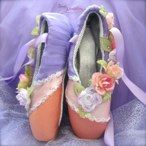 Decorated pointe shoes_0935