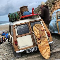 MINI woody o perfect for the beach! Mini Cooper Classic, Mini Cooper S, Classic Mini, Classic Cars, Mini Countryman, Mini Clubman, Fiat 500, My Dream Car, Dream Cars