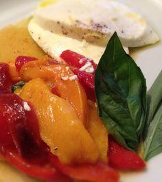 Poivrons grillés, basilic, mozzarella et huile d'olive citronnée