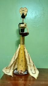 Artesanía y Creaciones HEIMAR: Reinas africanas Paper Weaving, Weaving Art, African Dolls, Decorative Bells, Newspaper, Tube, Blog, Home Decor, Handmade Dolls