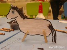 clothes pin horse created in momstown Milton Farm Animal Crafts, Farm Crafts, Horse Crafts, Farm Animals, Chinese New Year Activities, New Years Activities, Book Activities, Preschool Themes, Preschool Crafts
