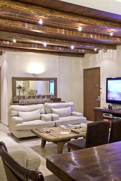 House in Vari / www.smartinteriors.gr