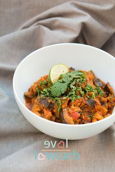 Veganes Auberginen-Curry mit indischen Gewürzen #keto #lchf #lowcarb #paleo #primal #whole30 #vegan #vegetarian #vegetarisch #healthyfood #indian #healthychoices