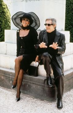Italian actors Marcello Mastroianni and Sophia Loren on the set of the film Pret-a-Porter (Ready to Wear) directed by American director Robert Altman. Star Hollywood, Vintage Hollywood, Classic Hollywood, Classic Actresses, Beautiful Actresses, Actors & Actresses, Marcello Mastroianni, Vanessa Redgrave, Isabella Rossellini