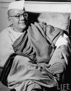 Sarat Chandra Bose (September 6, 1889 - February 20, 1950) was a barrister and Indian freedom fighter. He was the elder brother of Subhash Chandra Bose