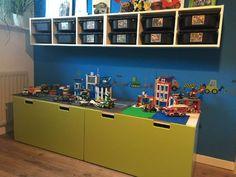 Lego kamer_02 Van Lego, Lego Storage, Tiny Living, Ikea Hack, Kid Beds, Kids Bedroom, Bedroom Ideas, Decoration, Liquor Cabinet