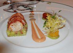 """Le Cirque*, un mythe de la restauration américaine à Las Vegas - Cookmyworld.com : Salade """"Le Cirque"""" au homard, avocat et vinaigrette à la truffe noire. Fraîcheur, légèreté et valse de saveurs tout en équilibre pour cette spécialité de la maison."""