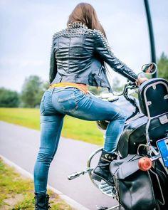 Motorcycles and Ladies – Bikes – # Ladies # Motorcycles – Motorräder – Motorrad Dirt Bike Girl, Girl Bike, Lady Biker, Biker Girl, Moto Biker, Cb 1000, Motorbike Girl, Motorcycle Bike, Motorcycle Quotes
