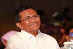 Berita Politik Dalam Dan Luar Negeri: Praperadilan Dahlan Iskan, Yusril Hadirkan 3 Ahli ...