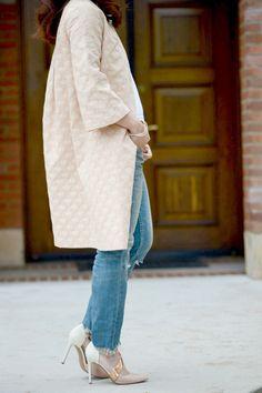 Hallie of Hallie Daily blog wearing our jacquard #Karen coat!   http://vivianchan.com/collections/spring-collection/products/karen  #vivianchan #Hallie #Hallidaily #jacquard #coat #blushpink #vanityfair