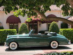 "mensfactory: "" 1961 Elizabeth Taylor's 'Green Goddess', Rolls-Royce Silver Cloud II H. Elizabeth Taylor, Vintage Rolls Royce, Classic Rolls Royce, Rolls Royce Silver Cloud, Pretty Cars, Cute Cars, Vintage Logo, Vintage Cars, Voiture Rolls Royce"