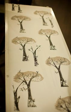 Hand printed wallpaper class at The Papered Parlour... love this... simple and yet stunning.