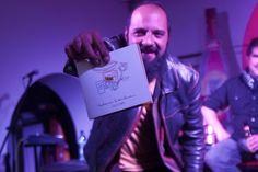 Giovanni Pinzón, vocalista de Bohemia Suburbana, diseñó la portada, junto al artista visual Andrés Asturias. (Foto: Jesús Alfonso/Soy502)