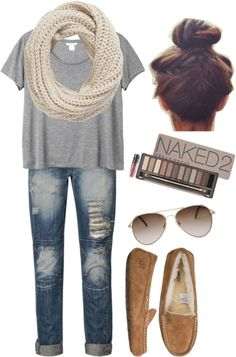 Perfect travel outfit. {Replace the UGGs with some Minnetonkas}