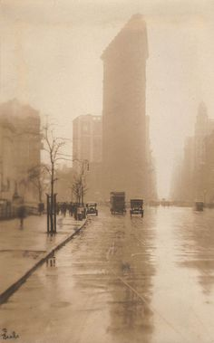 30 Incredible Photos Capture the Scenes of Fifth Avenue, NYC Through the Years