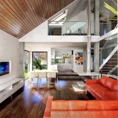 antresola nad salonem - Szukaj w Google Dream House Interior, Dream Home Design, Home Design Plans, Home Interior Design, Minimal House Design, Minimal Home, Living Room Tv Unit Designs, Home Greenhouse, New Zealand Houses