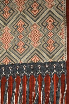 Bargello, Cross Stitch Patterns, Cross Stitches, Clothes Hanger, Needlepoint, Bohemian Rug, Tapestry, Embroidery, Crafts