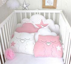 Delivery delay for making the item, see livraison. Please contact me for more information 3 cloud cushions: 1 for the top bed 70cm wide/32cm high 2 cloud cushions for the sides 40cm wide/ 30cm high each Cotton material white with small pink hearts and 2 owl cushions 30cm wide/ 27cm
