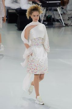 chanel fall 2014 couture | Karl Lagerfeld Gets Sporty at Chanel Haute Couture