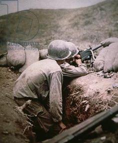 American Browning .50 caliber machine gun crew in action, Italy (photo)