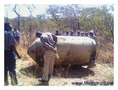OVNIs / UFOs caem no Zimbabwe, África