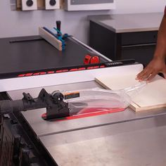 Benchtop Router Table, Kitchen Furniture, Furniture Design, Creative Instagram Photo Ideas, Plantar, Diy Hacks, Paper Crafts, Spaces, How To Make