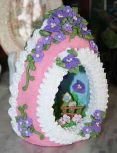 make the fence ahead of time-panoramic sugar eggs | Large upright sugar panoramic egg. ... | Easter Treats