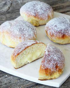 Sockerbulle med vaniljkräm Ca 30 st - Recept från myTaste Baking Recipes, Cake Recipes, Dessert Recipes, No Bake Desserts, Delicious Desserts, Swedish Recipes, Challah, Dessert For Dinner, Croissants