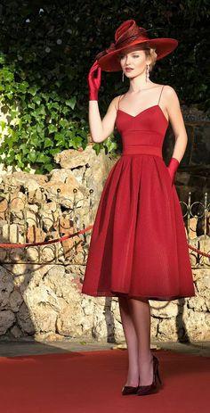 gardenofelegance: Garden of Eleganceಌ Pretty Prom Dresses, Modest Dresses, Pretty Outfits, Beautiful Dresses, Casual Dresses, Formal Dresses, Indian Designer Outfits, Designer Dresses, Red Fashion