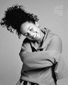 Love her laid back look - no make up & a big hoodie