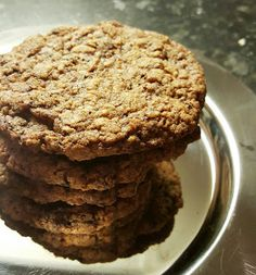 Gluteeniton Herkkutaivas: Suklainen kaurapähkinäpikkuleipä Cookies, Desserts, Food, Tailgate Desserts, Biscuits, Deserts, Essen, Dessert, Cookie Recipes
