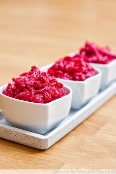 Beetroot and garlic spread - Lecker Essen und trinken - Salat Food N, Good Food, Food And Drink, Chutneys, Tapas, Mezze, Garlic Spread, Easter Lunch, Food Club