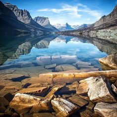 Department of the Interior · · Clear blue waters, glacier-carved peaks and a never-ending supply of epic views: The always beautiful Glacier National Park in Montana. Photo courtesy of Scott Kranz Glacier National Park Montana, Glacier Park, West Glacier, Destination Voyage, All Nature, Amazing Nature, Nature Pics, Explore Travel, Places Around The World