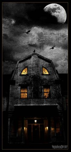 I think this is the house from the amityville horror Real Haunted Houses, Creepy Houses, Spooky House, Spooky Places, Haunted Places, Halloween Pictures, Spooky Halloween, Ghost Pictures, Happy Halloween